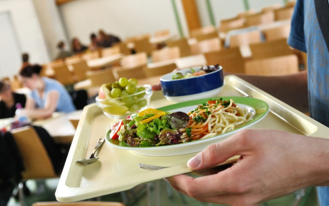 Fresh and Healthy Cafeteria Food